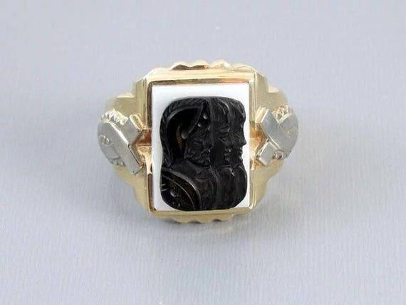 Mans vintage Art Deco two tone 10k yellow and white gold triple head warrior sardonyx hardstone cameo ring, size 11-1/2