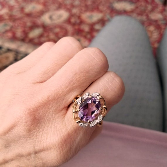 Lovely 14k gold Rose de France purple amethyst and diamond halo ring, statement ring, cluster ring, size 8