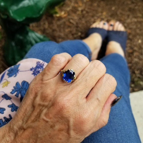 Vintage mid century Retro Moderne 10k gold sapphire blue synthetic spinel ring, size 4.5,  signed House of Kraus Inc, Pittsburgh PA