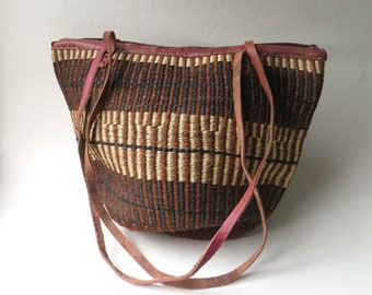 Natural Earth Tone vintage Large Woven Sisal Market Bag with Brown Leather Trim / Farmers Market Tote / Festival Bag / Beach Bag