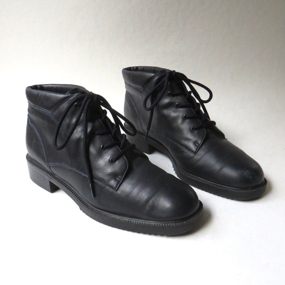 90s vintage Danexx Midnight Blue Leather Ankle Boo