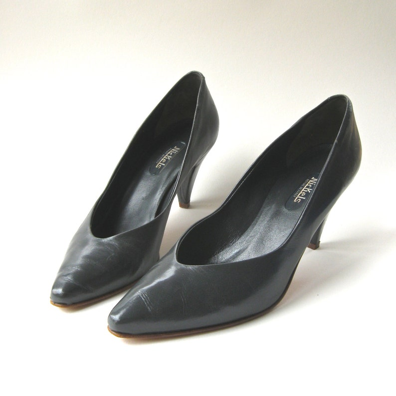 f60b11686acbe 80s vintage Nickels Slate Grey Leather Pumps / made in Italy