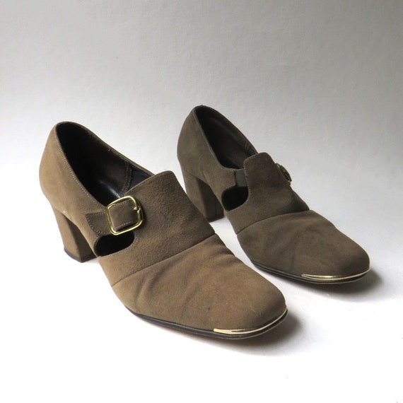 60s vintage Mod Brown Suede Mary Jane Pumps with G