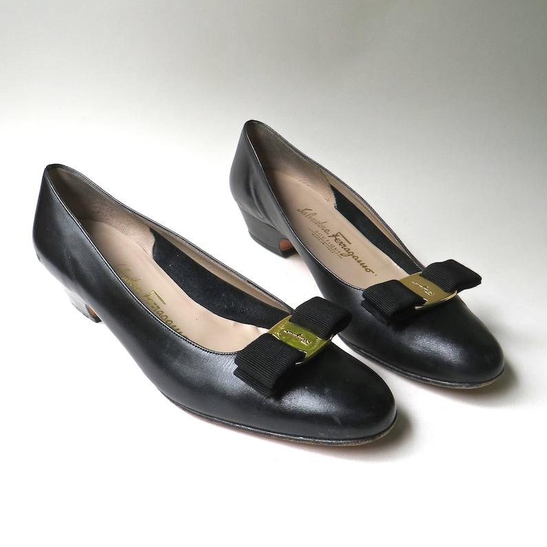 08f49016186 Salvatore Ferragamo vintage Black Leather Vara Bow Pumps   Salvatore  Ferragamo Boutique made in Italy