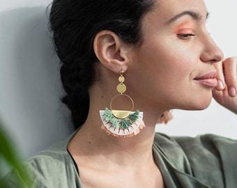 Fringe earrings statement -TAMY- Peach & green white lace ethnic earrings handmade fan half-moon gypset macrame boho hippie hippy vintage