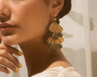 Statement earrings -LUA PELE- Vintage lace & brass bold earring sustainable jewellery repurposed golden wavy rippled unusual unique flamenco