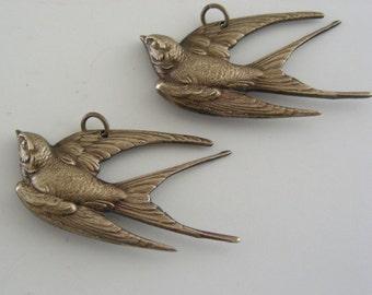 Pendant - Large Swallow Bird -  Vintage Brass - 2 pcs - Stampings
