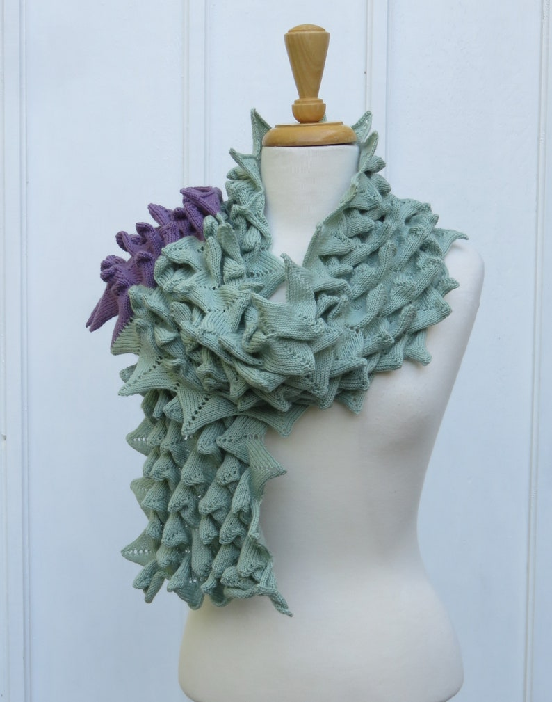 Get the Point Green Scarf image 0