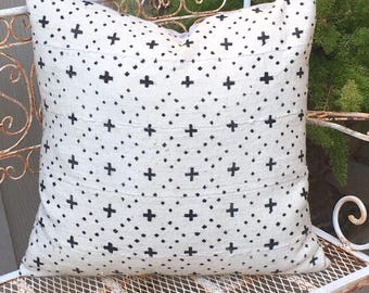 African Mudcloth in Off White with Black Diamond and Cross Design Tribal Design Boho / Modern / Farmhouse
