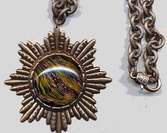 VINTAGE VENETIAN GLASS Pendant with Vintage Chain