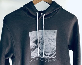 Hoodie with Poppy Wave and Topo Mountain