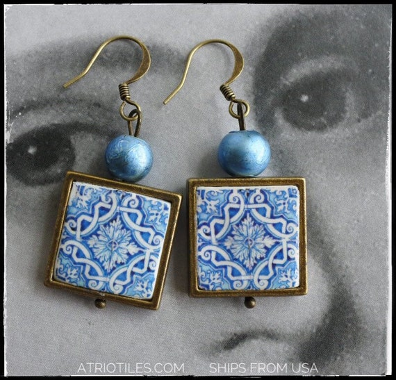 Earrings Portugal Tile Azulejos Portuguese  Antique FRAMED - Évora  UNESCO World Heritage - Reversible/waterproof Gift boxed BLUE 690