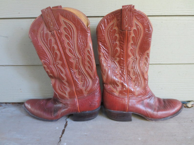 bde824e8a20 Vintage Tony Lama Brown Lizard Leather Cowboy Boots / MENS size 8.5 B /  Pointed Toe Style 8540 Size 8.5B