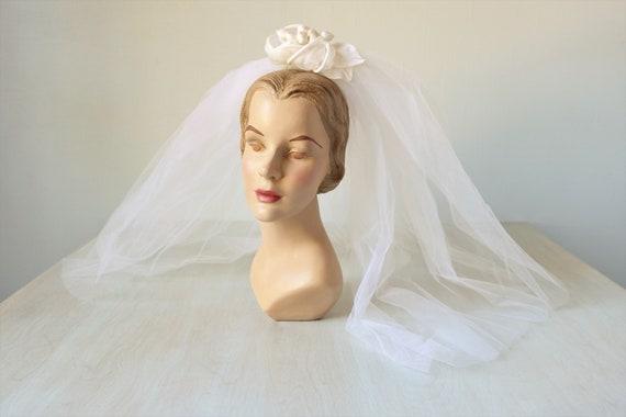 Vintage  Wedding Veil Headpiece / 1960s Bridal Vei