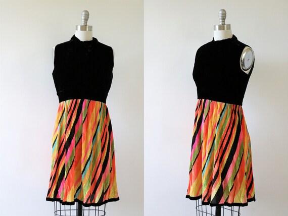 1960s Mod Dress Pleated Color Swirl Sleeveless