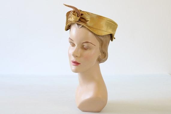 Gold Velvet Fascinator Hat 1950s