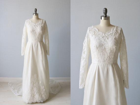 Vintage 1960s Long Sleeve Lace A Line Wedding Dress