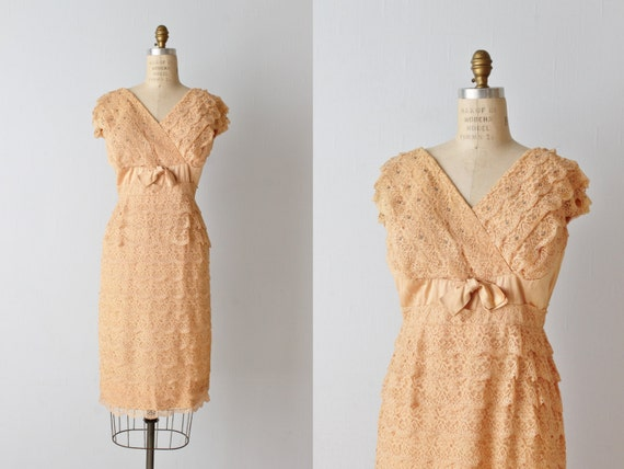 Vintage 1960s Lace Wiggle Dress / Nude Lace Dress