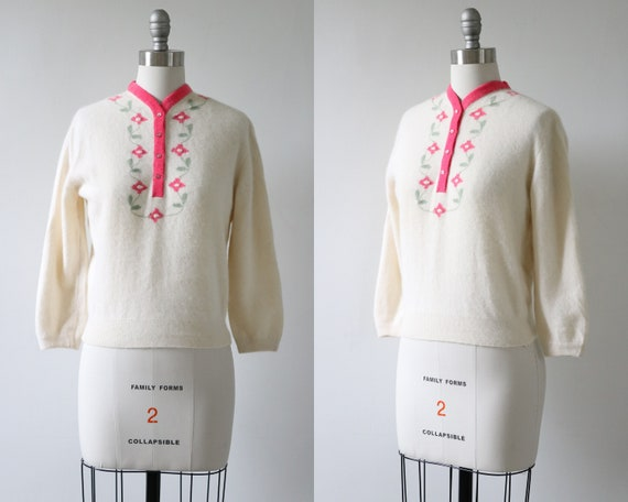 1950s Pullover Pinup Sweater Pink Flowers