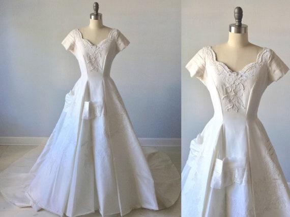 Vintage Wedding Dresses 1950 Modest Wedding Dress Short Sleeves Ballgown