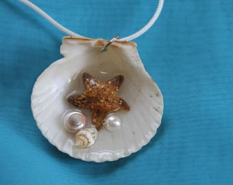 Mermaid Pisces Sculpted Starfish and Seashell Necklace.