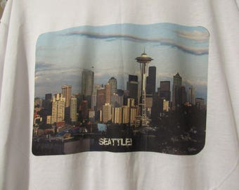 """Seahawk & Seattle Fans - Adult """"SEATTLE!"""" T-Shirt - Photo Art applique"""