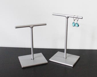 T Bar Silver Metal Earring Stand Metallic