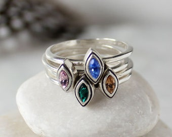 Set of 4 Stacking Birthstone Rings, Personalized Sterling Silver Ring Set with Birthstones. Stackable Rings, Mother's Ring, Gift for Mom!