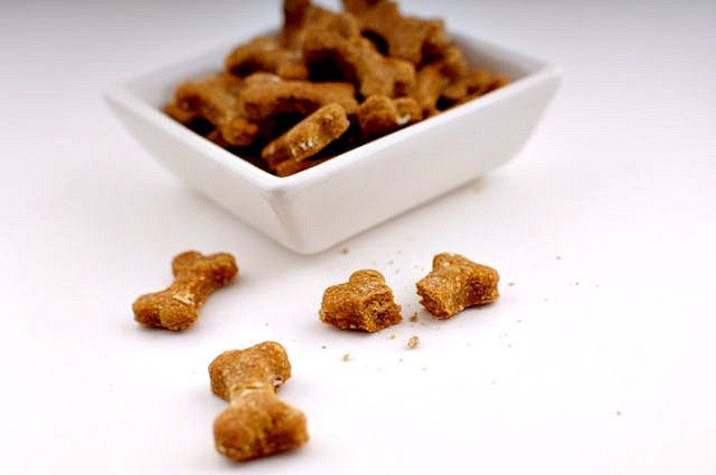 TRUEclassicTREATS: Peanut Butter & Banana dog treats 8oz image 0
