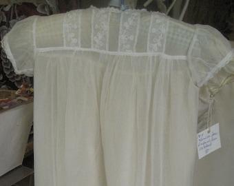 "1915, 24"" chest, 2  piece infant gown"