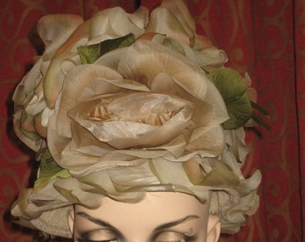 1960's flowered pillbox hat