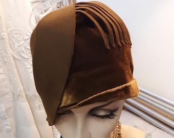 1920s,  size 22, brown velvet and felt cloche hat