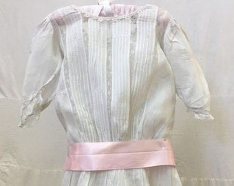 """1900s, 24"""" chest, white organdy and lace insert dress"""