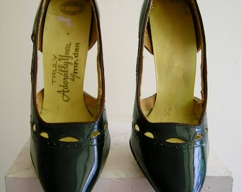 1950's size 7 1/2 narrow, black patterned leather , spike heels