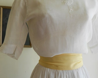 "1915, 38"" bust, white cotton viole blouse"
