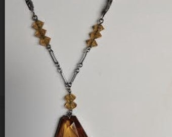 "1930's, 15 1/2"" amber glass long pendant necklace"