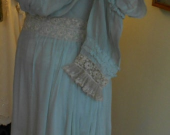 "1905, 32"" bust, light foam green  silk Georgette, pigeon breasted gown."