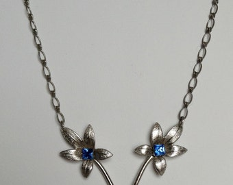 Beautiful art deco 1920/30's floral blue necklace
