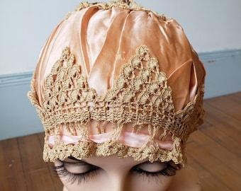 "1920s, size 22"", pink silk pleated boudoir cap"