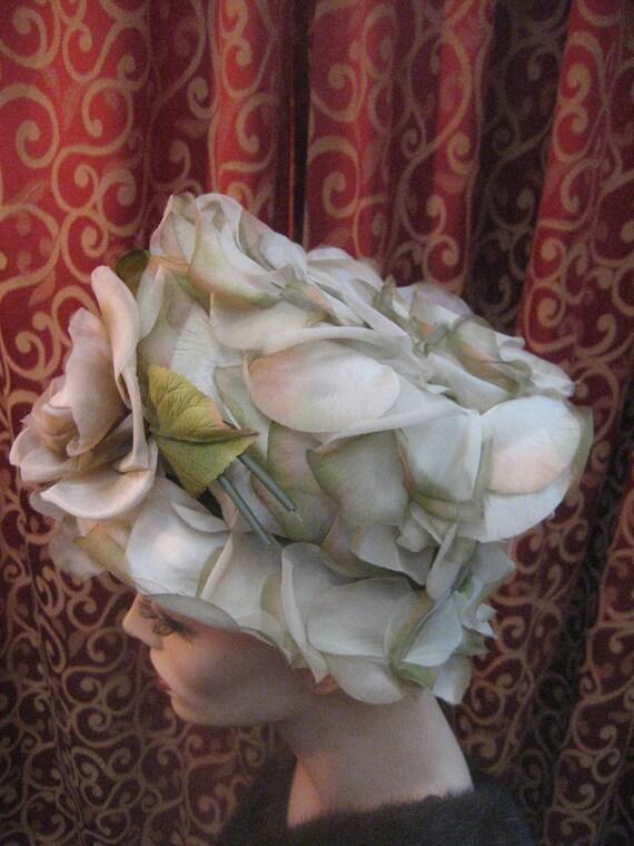 1960's flowered pillbox hat - image 4