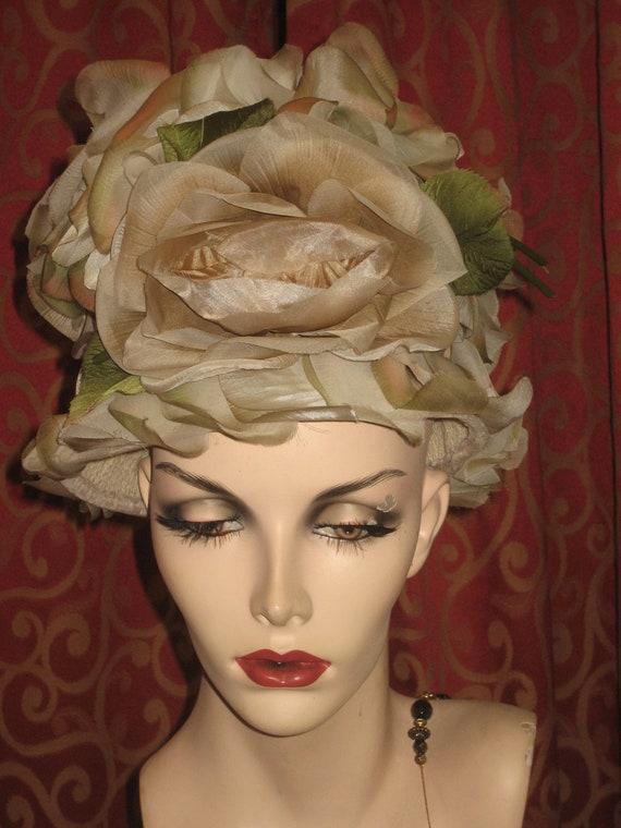 1960's flowered pillbox hat - image 1