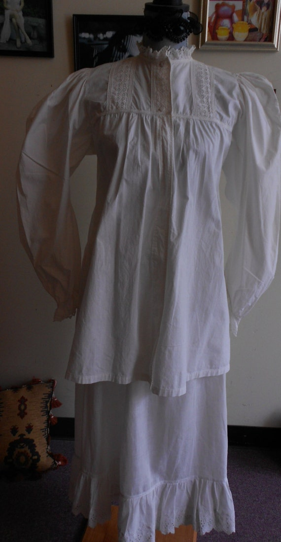 "1890's, 36"" bust, lawn cotton bed jacket, with hig"
