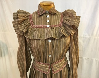 """1890s, 34"""" bust, cotton pink and black flowered striped wrapper"""