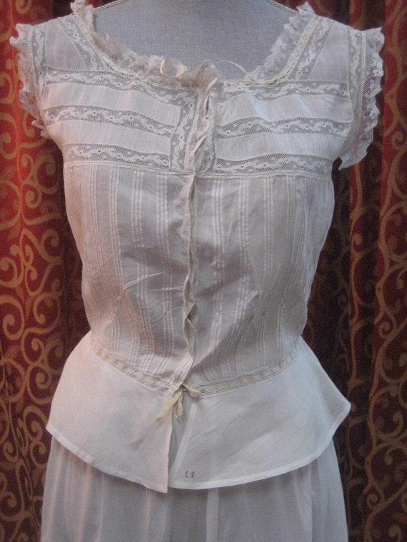 """1890's, 34"""" bust, white linen and lace corset cove"""