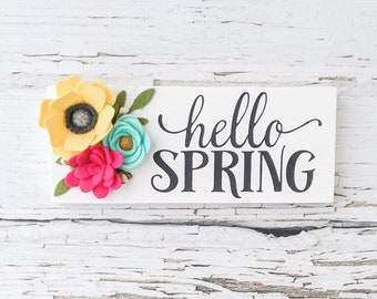 Mini hello spring sign with felt flowers