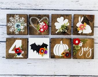 Mini holiday signs