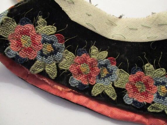 Antique Collar Edwardian Velvet Embroidered Appli… - image 1