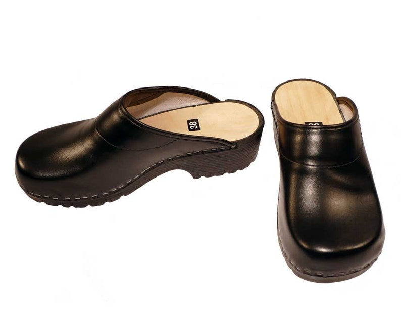 5eb8bb990d4b3 Soft Clogs black