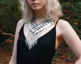 Scale Fringe Necklace with Long Chain