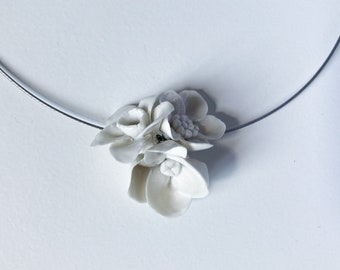 3 little flowers porcelain necklace - Limoges porcelain